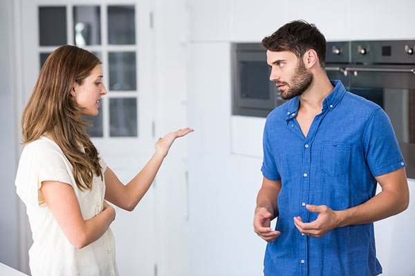 pareja-conversacion-dificil.jpg