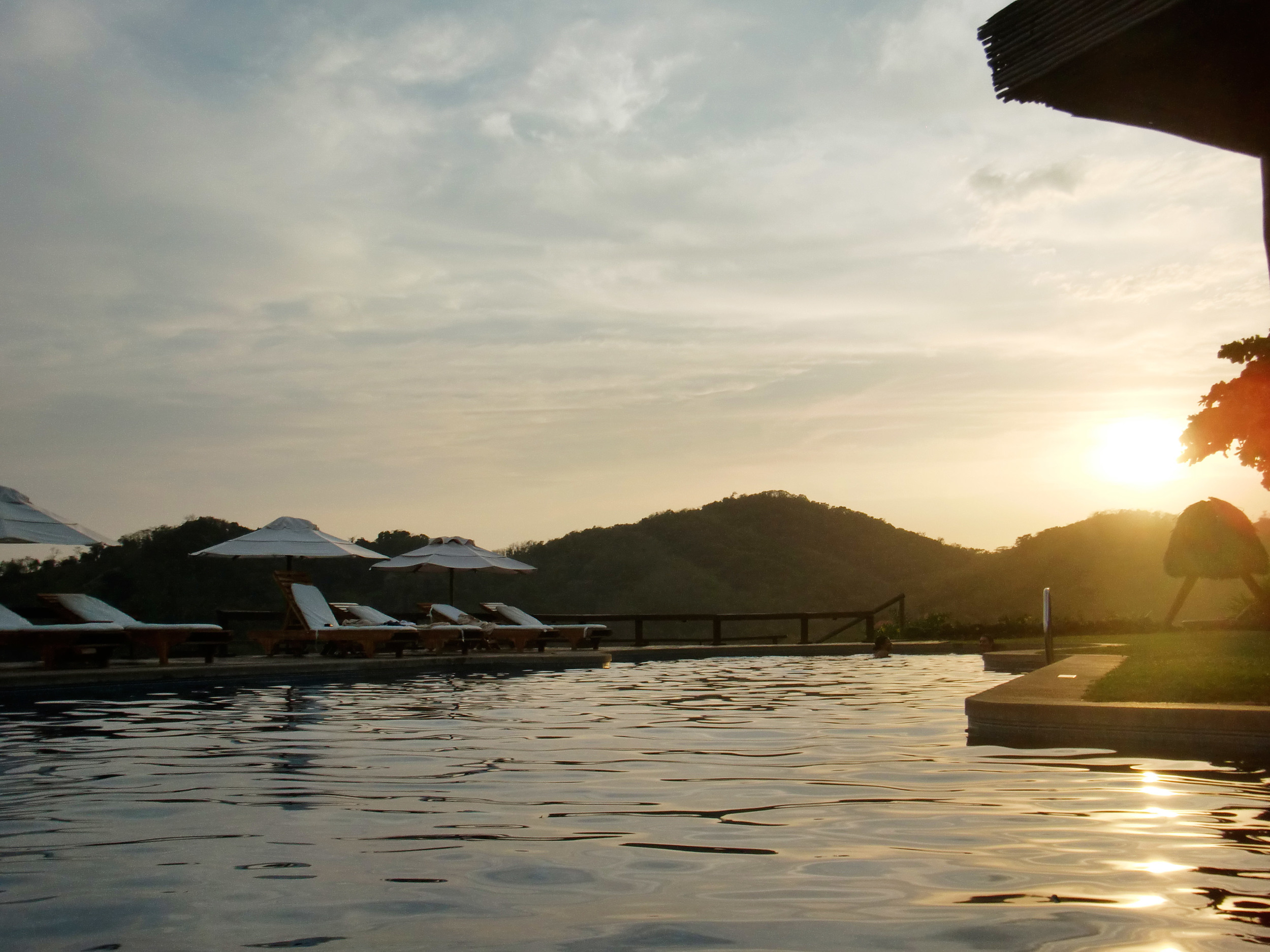 Hotel Punta Islita Pool, Costa Rica ©Ty Govaars