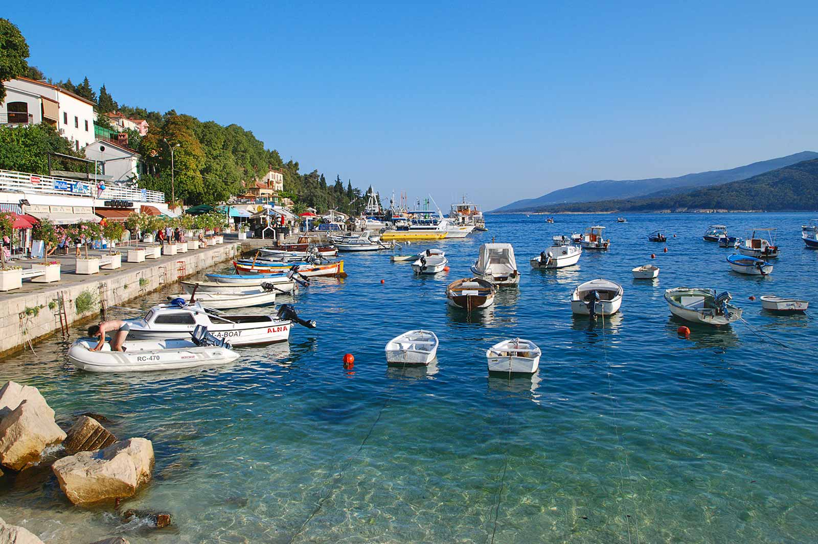 Sailing off the coast of Croatia with  Yachts and Friends