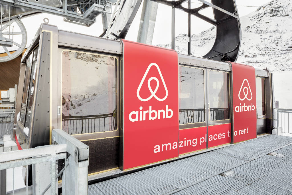 airbnb-sweepstakes-Courchevel-France-gondoloa.jpg