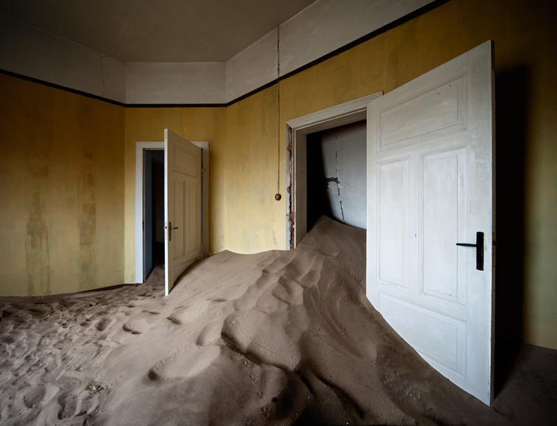 indoor-desert-photos-by-Alvaro Sanchez-Montanes-deserted-mining-town.jpg