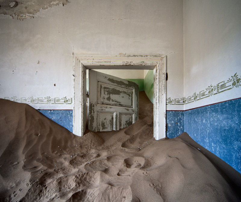 indoor-desert-photos-by-Alvaro Sanchez-Montanes-d.jpg