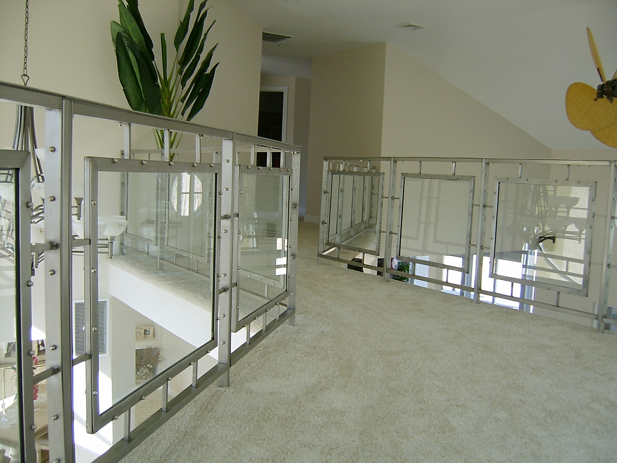 Framed glass railing