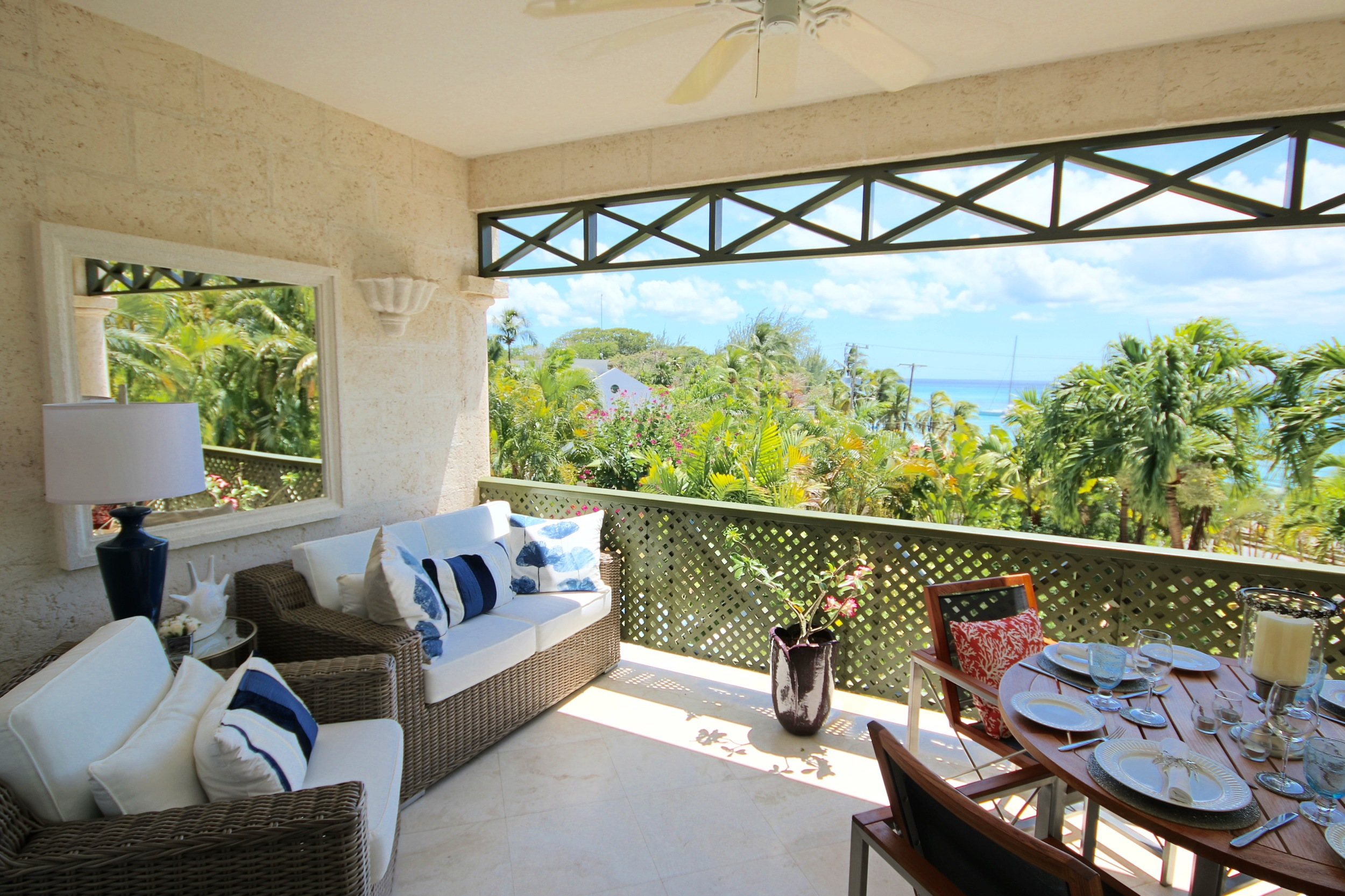 Walking_Distance_Beach_Barbados.JPG