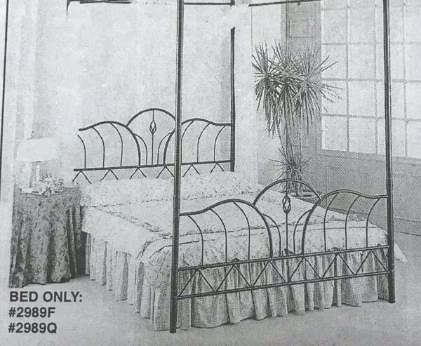 """FULL BLACK WROUGHT IRON BED-FRAME - Liquidation Price- $129New (never used)Full size bed frame - black wrought ironBrand new in the boxMattress and box spring needed!(Not included)78 x 54 x 53""""DC2989F"""