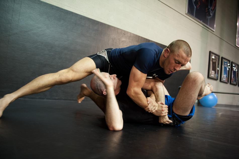 UFC1112 iPad GSP BTS jl-37