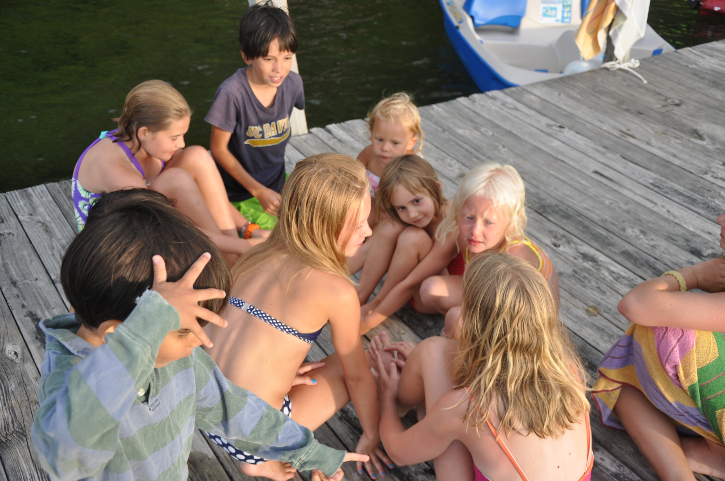 Kinda like cousins :: 3rd-generation dock meeting
