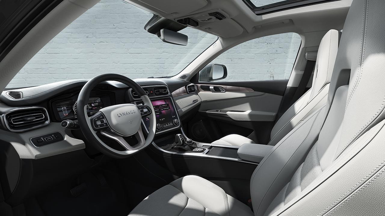 Interior_Driver_20161018_1280.jpg