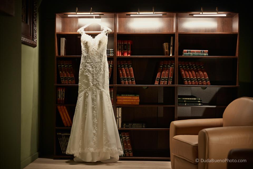 Vestido de la novia en una Boda en Barcelona