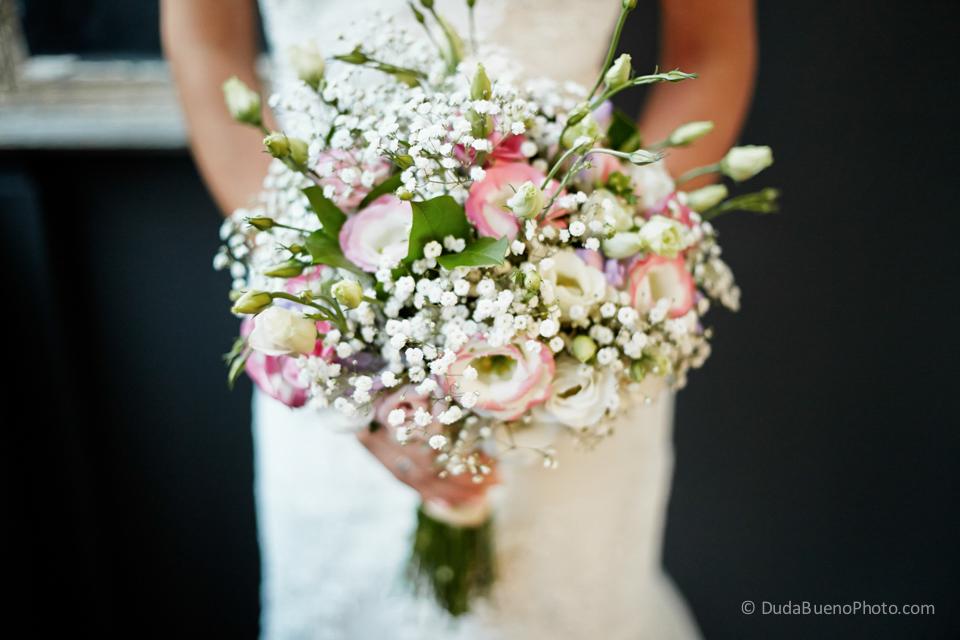 Ramo de flores de la novia antes de la boda