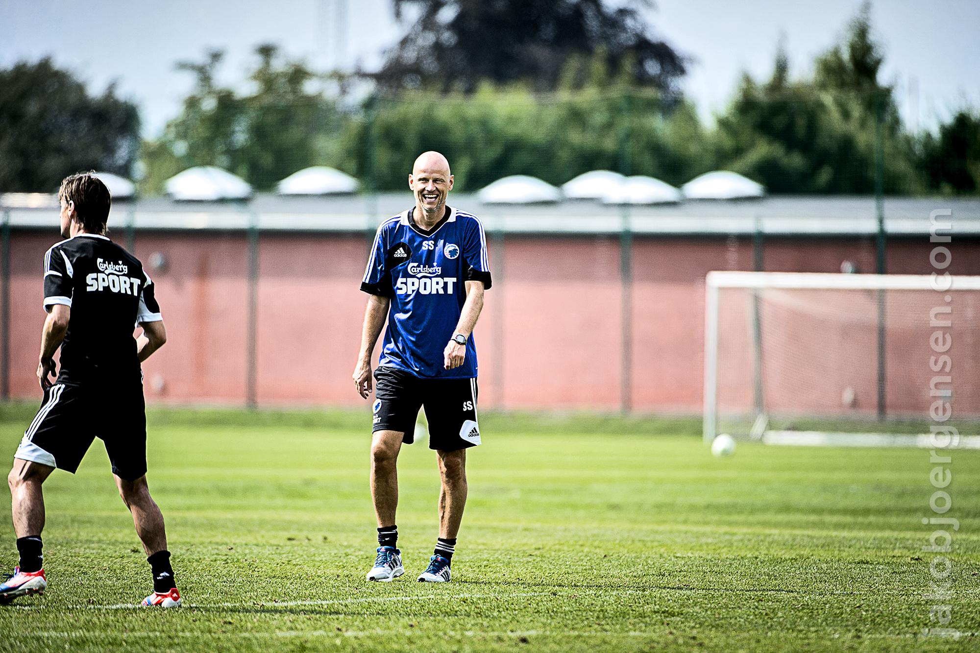 Ståle virkede vældig fornøjet med at være tilbage. Han brugte en del tid på at hilse på nye og gamle ansigter i FCK under dagens træning.
