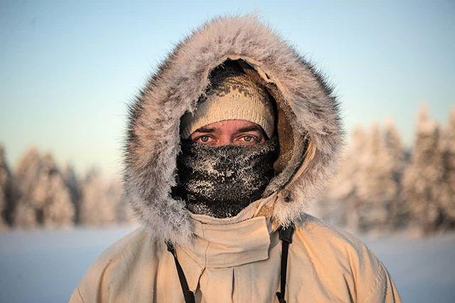 #portrait of @simonstaffeldtschou on the #hunt for #capercaillie in #swedishlapland.  #reportage for @jagtvildtogvaaben  Hunt arranged by @nordguide.se  #sverige #lapland #ourlapland #lifeinswedishlapland #skogsfugljakt #coldday #coldadventures #jaktbilder #photojournalism #itsinmynature #letsgohunting #sweden #hunter #wintersport #winter #lookingforbirds #jæger #nikond5 #nikon #d5