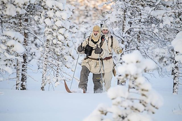 @nordguide.se and @simonstaffeldtschou #skiing to find #capercaillie in the vast #wilderness of #swedishlapland  It is a #hunt that is quite physically demanding, but is also #worththeeffort.  #reportage for @jagtvildtogvaaben  #itsinmynature #outinthewoods #jaktbilder #skogsfugljakt #sverige #lapland #sweden #snow #outinthewoods #ourlapland #ourlapland #coldadventures #hunting #jagt