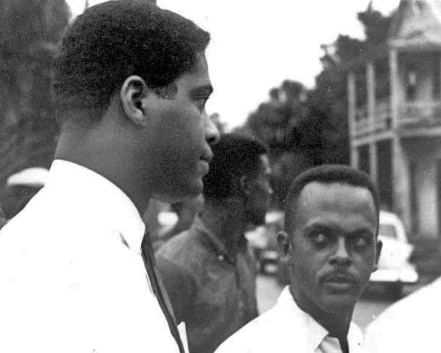 [STATE ARCHIVES OF FLORIDA] DR. ROBERT HAYLING WITH MEMBERS OF SPLC 1964.png