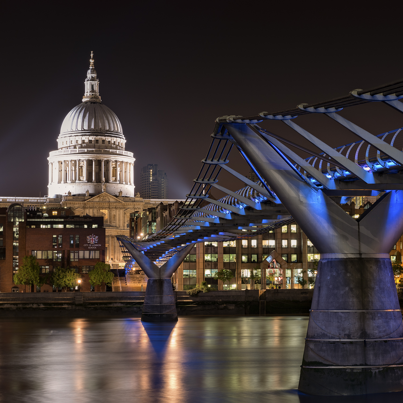Millennium Bridge NIight.jpg