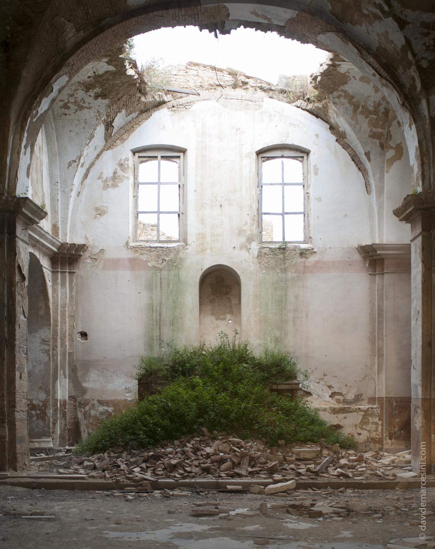 la chiesa abbandonata di Craco