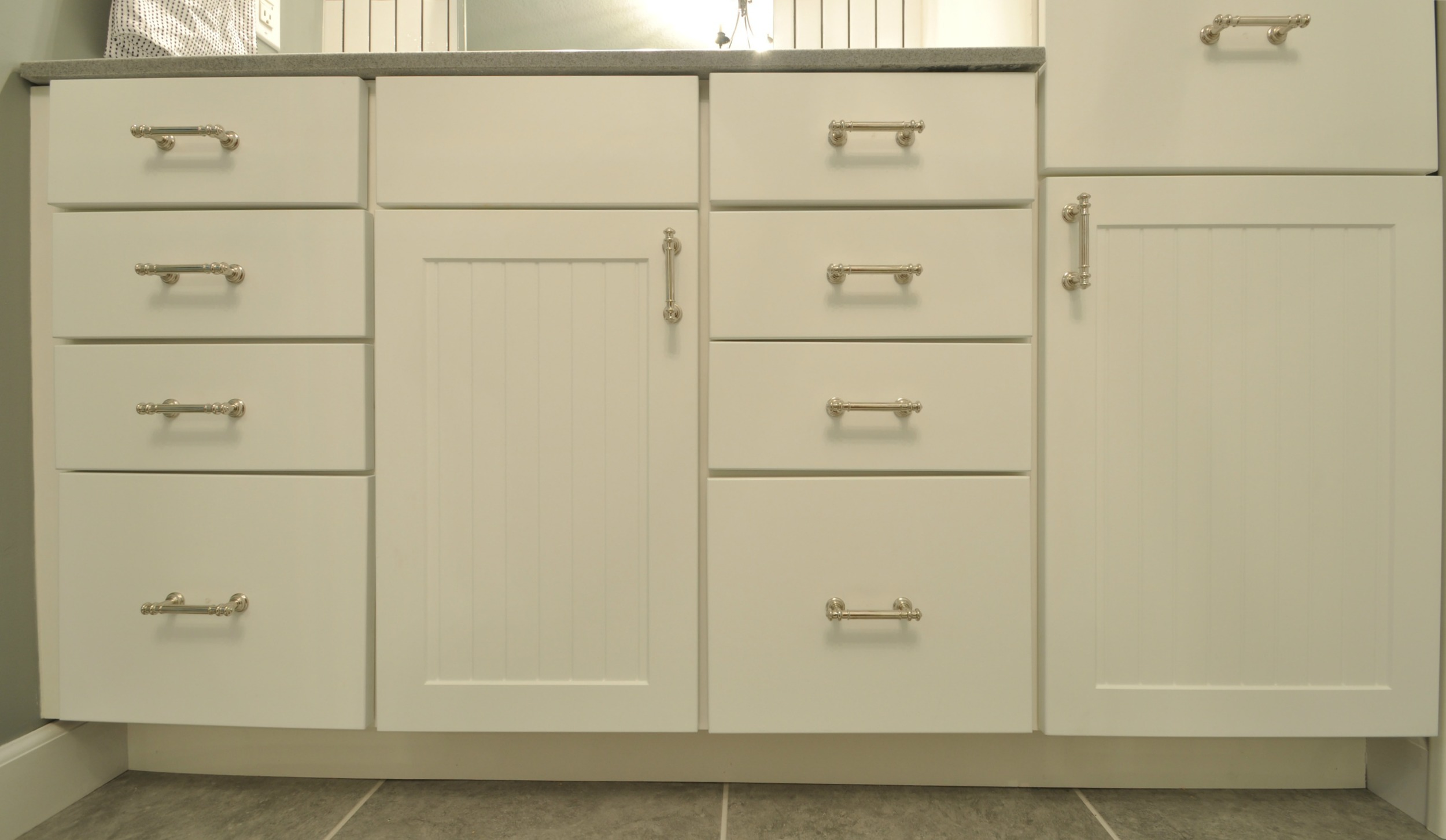 How to Change Cabinet Hardware 2.jpg
