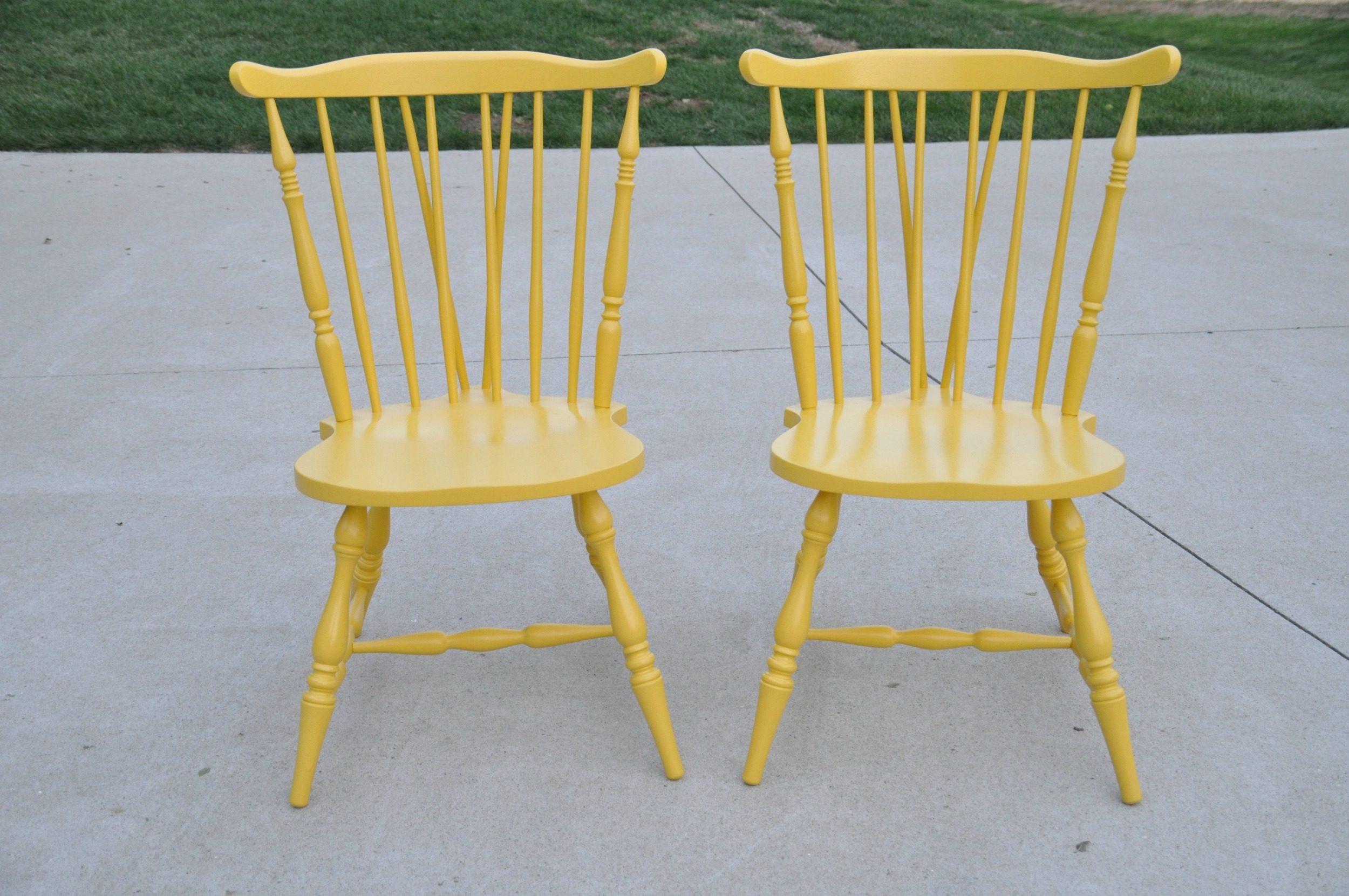 Easy way to paint chairs.jpg