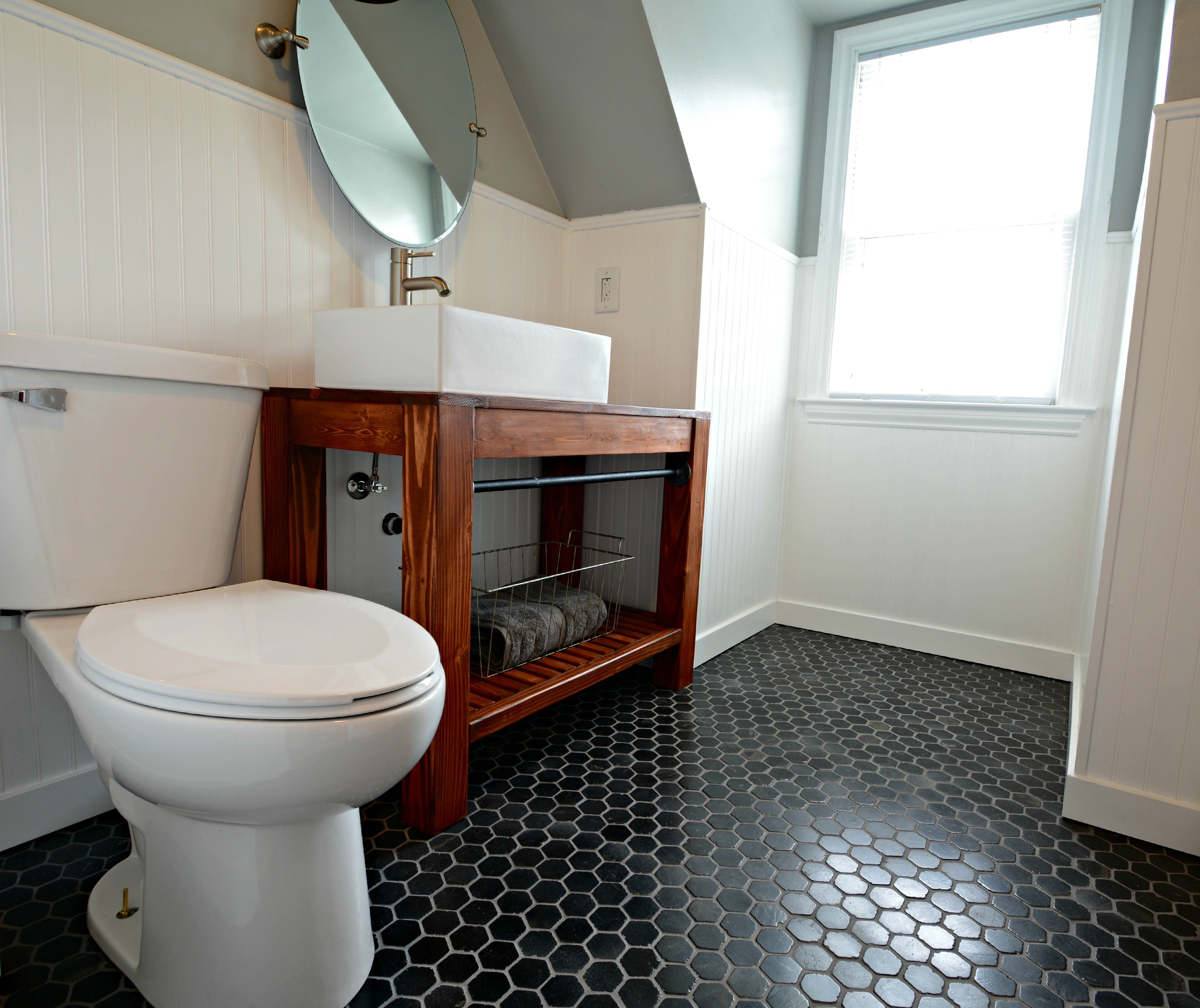 Small, Inexpensive Bath Reveal {beadboard, farmhouse,black hex tile floor, sherwin williams argos, diy vanity}