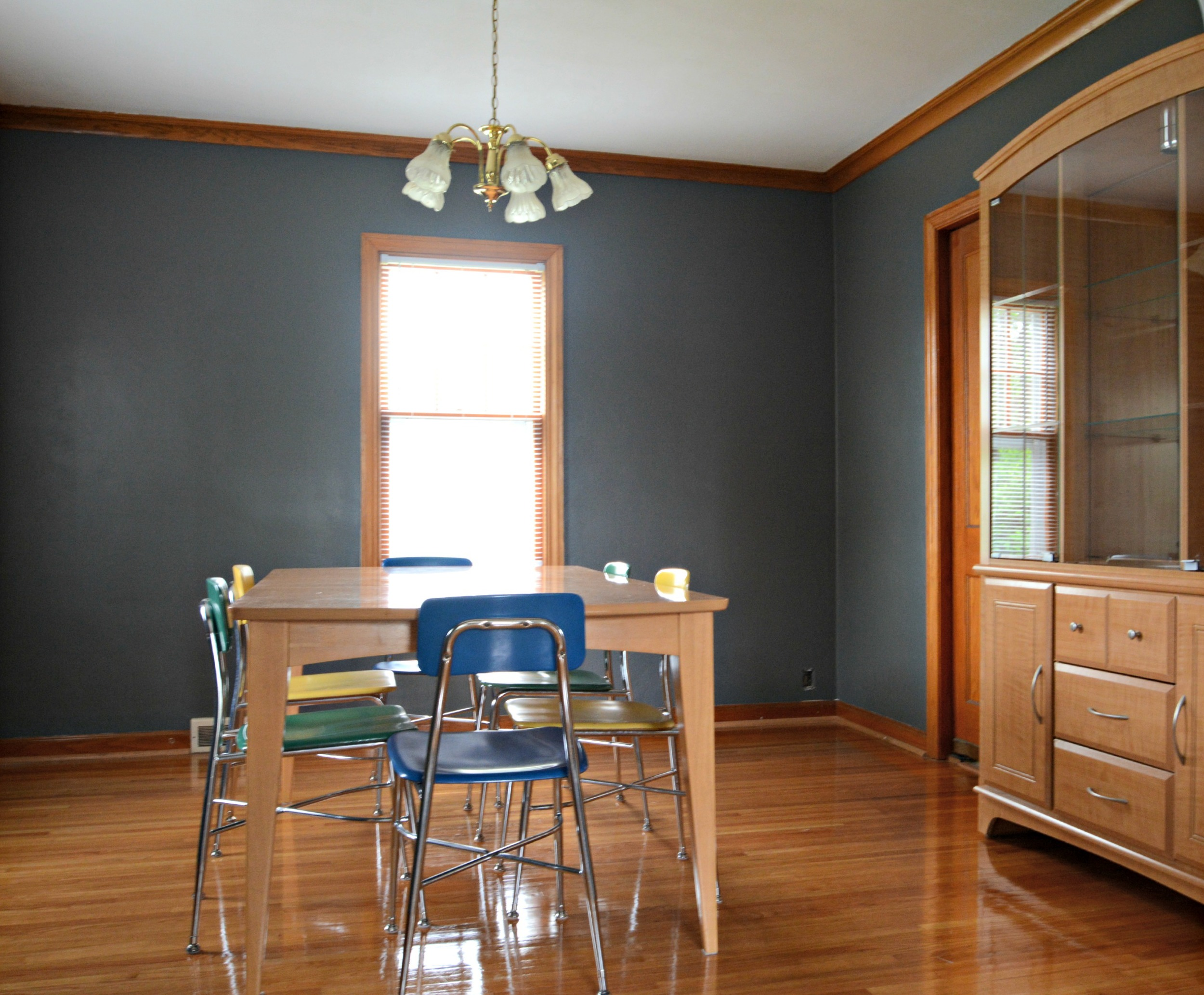 How to Paint over Stripes with Different Finishes.  Sherwin Williams Grizzle Gray 7068