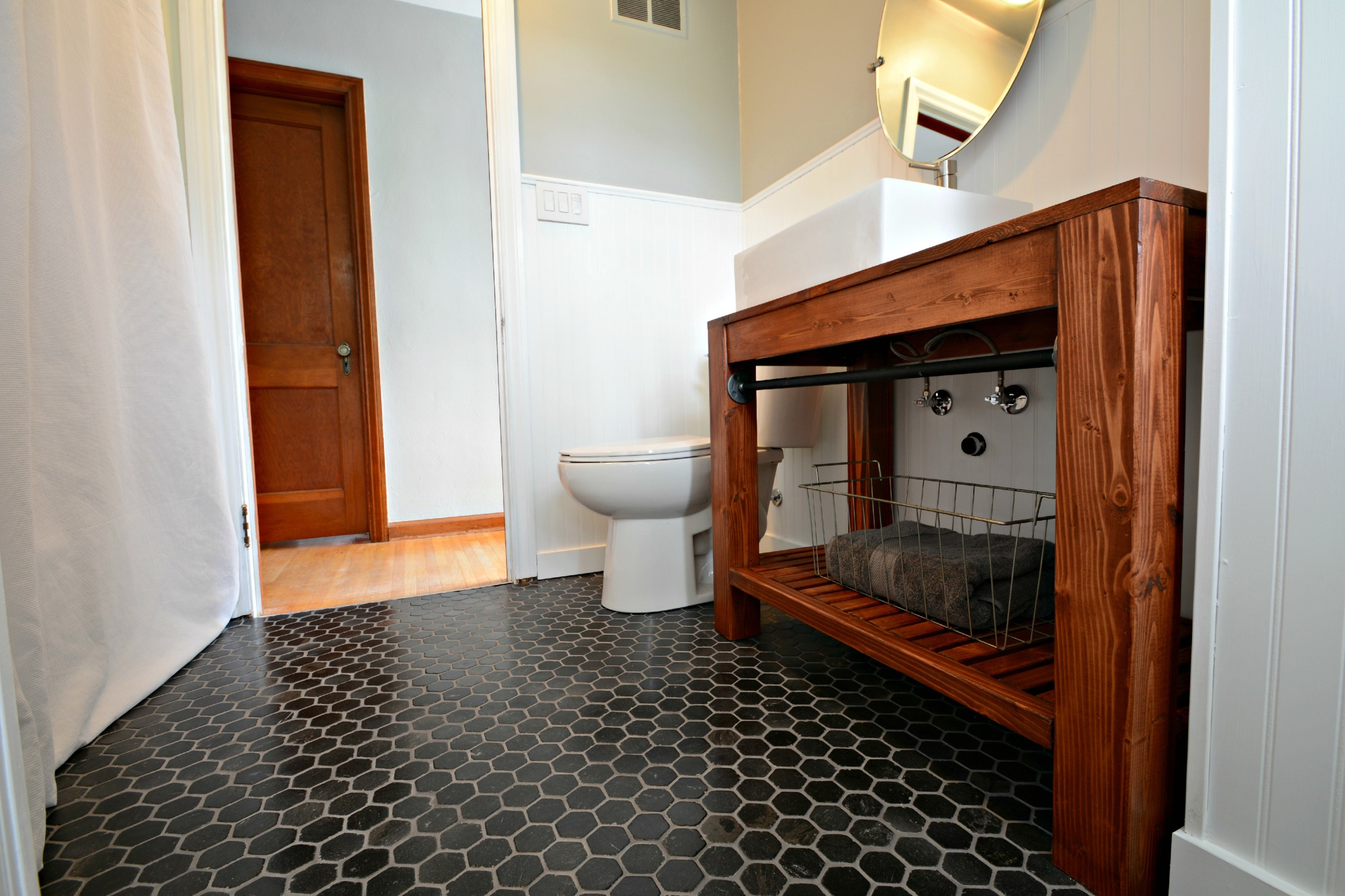 Modern Farmhouse Bathroom Vanity Tutorial