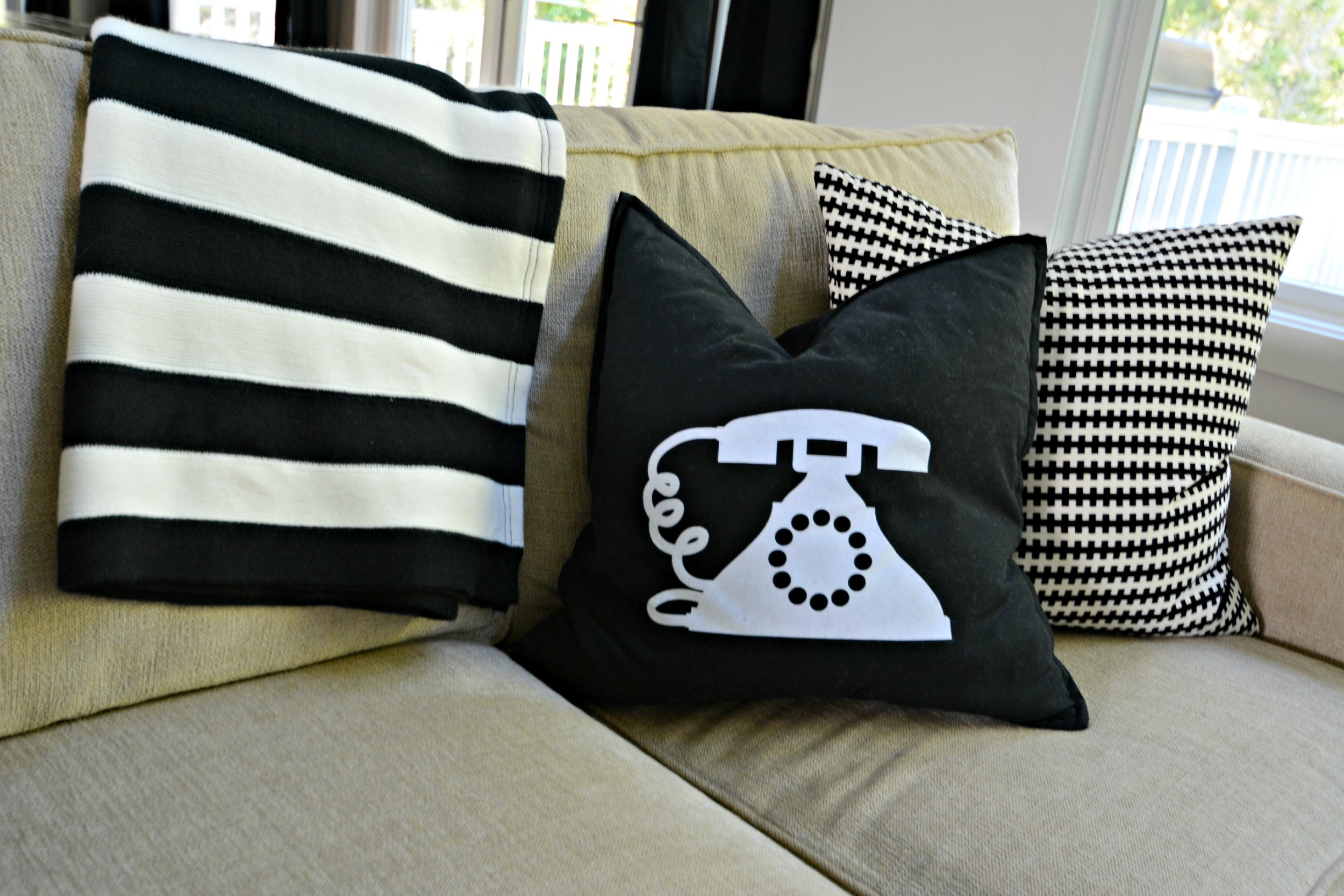 Sources for Inexpensive Pillows