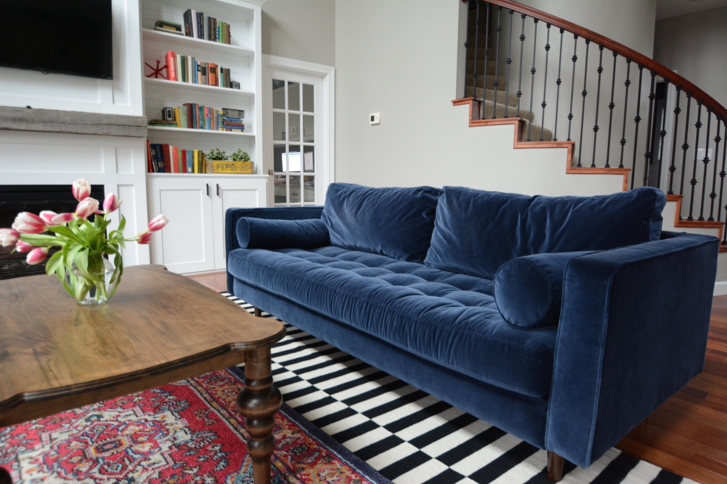 Living Room 2017-67.JPG