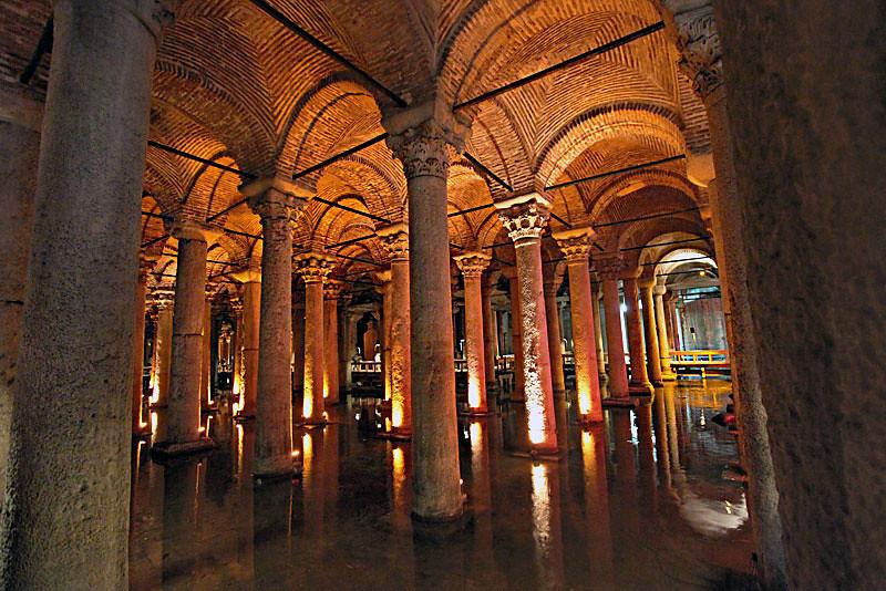 Turkey-Istanbul-Basilica-Cistern3-L.jpg