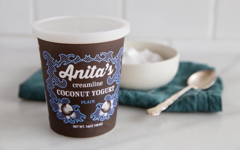 1Dc4CHvzRhazEc9N4v4q_Anita's Coconut Yogurt, Glamour, lo res.jpg