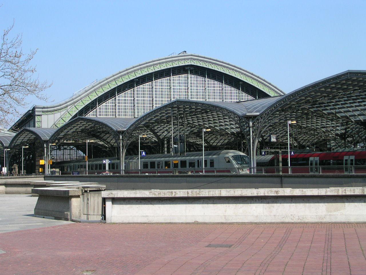 Bahnhof am Koln Germany.JPG