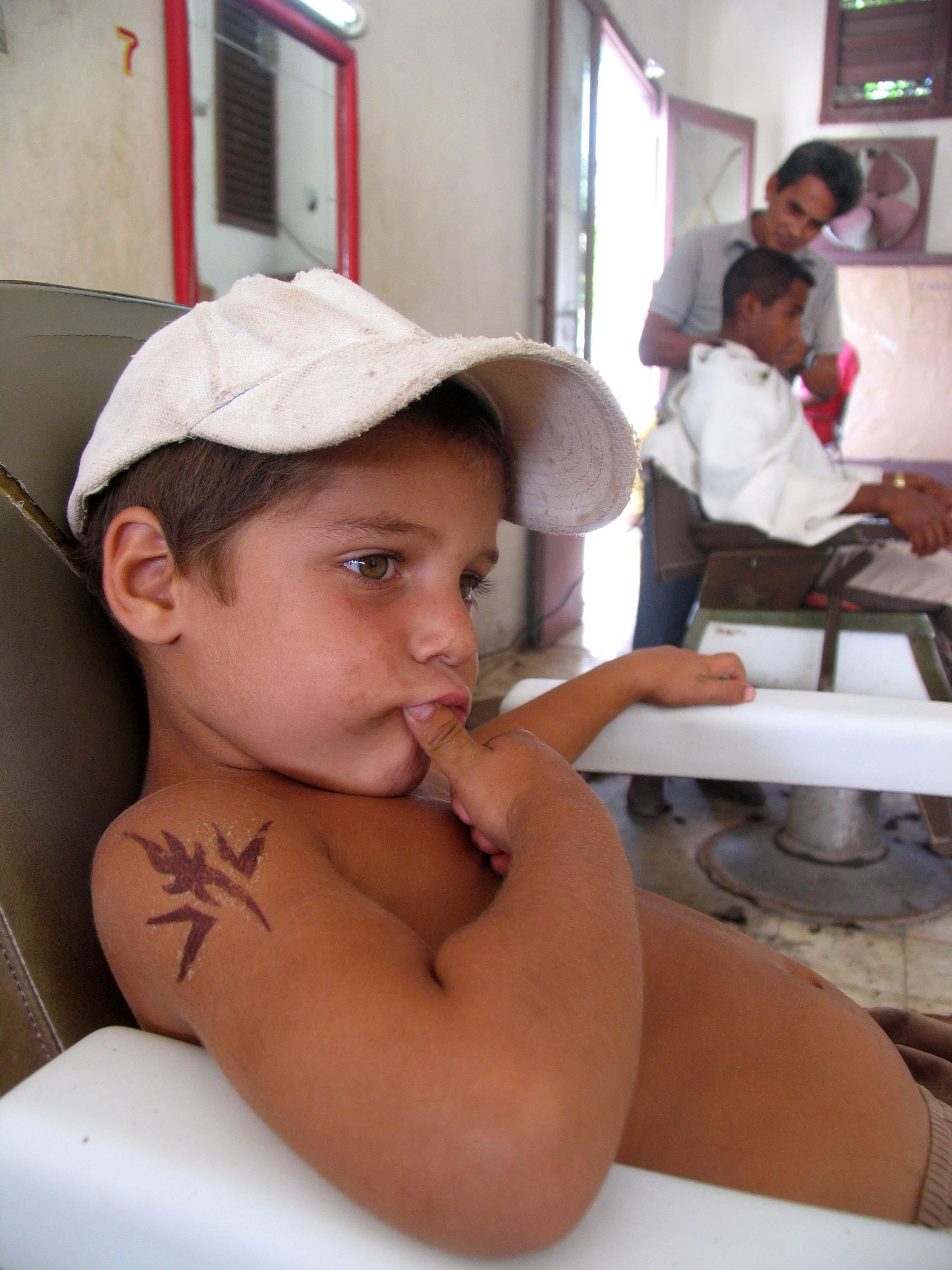 Waiting for a trim, Cuba