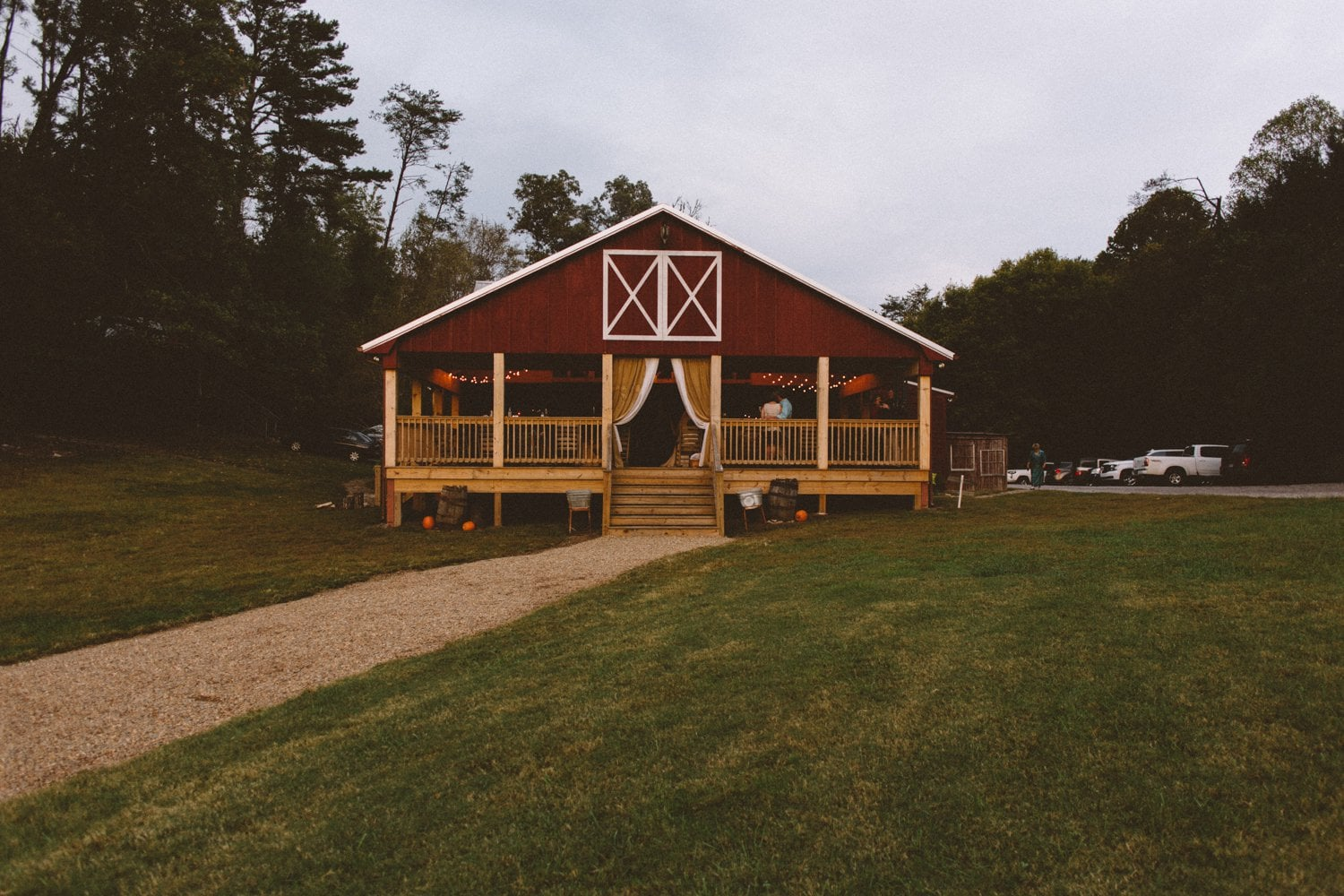 Sampsons_Hollow_Wedding_Walden_TN_-8.jpg
