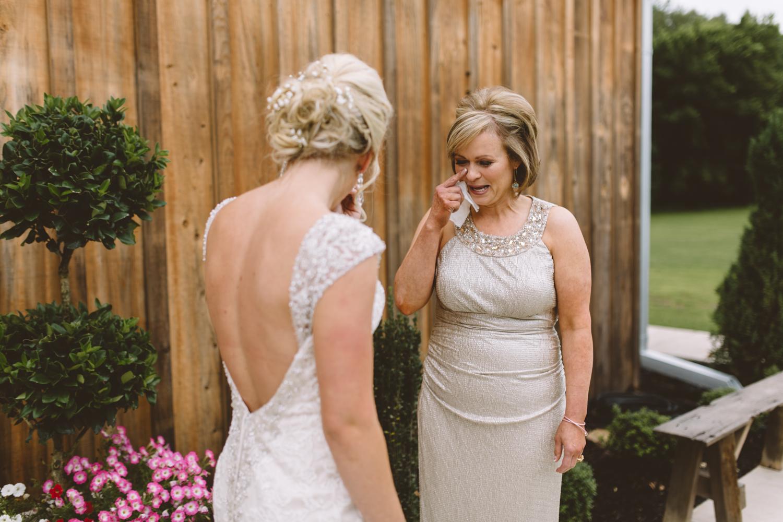 Nashville_Wedding_Photojournalists_-13.jpg