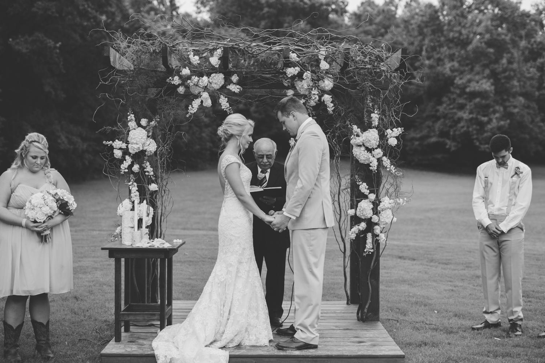 Nashville_Wedding_Photojournalists_-35.jpg