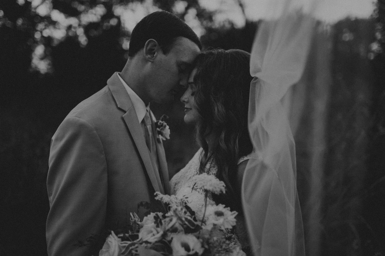 Nashville_Wedding_Photographers_-500.jpg