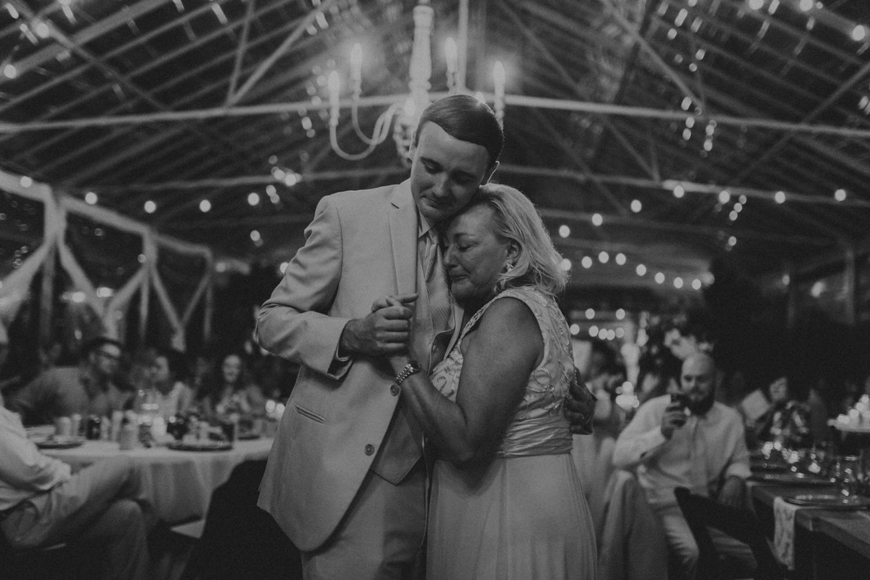 Nashville_Wedding_Photographers_-538.jpg