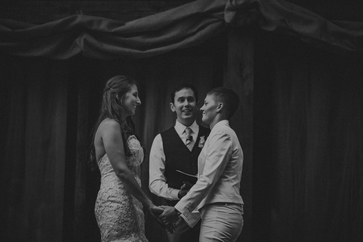 Best_Nashville_Wedding_Photographers_-530.jpg