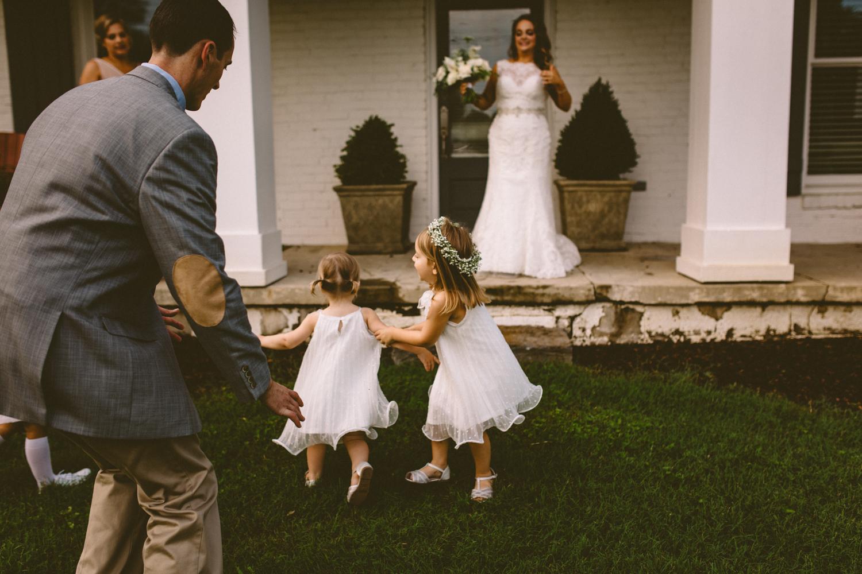 Best_Nashville_Wedding_Photographers_-50.jpg