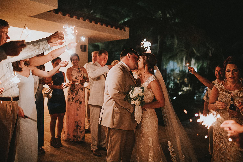 best-destination-wedding-photographers-based-in-memphis-1-1.jpg