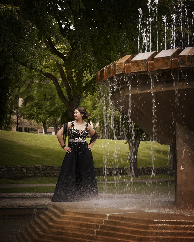 cindymoleski-professional-photographer-grads-graduation-portrait-saskatoon-saskatchewan28976-9634.jpg