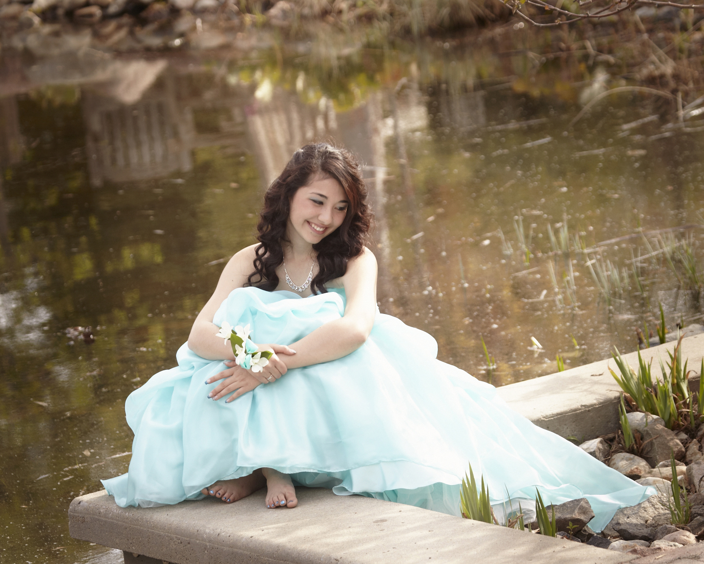professional-grad-photographer-saskatoon-cindy-moleski-27439 -number 9861.jpg