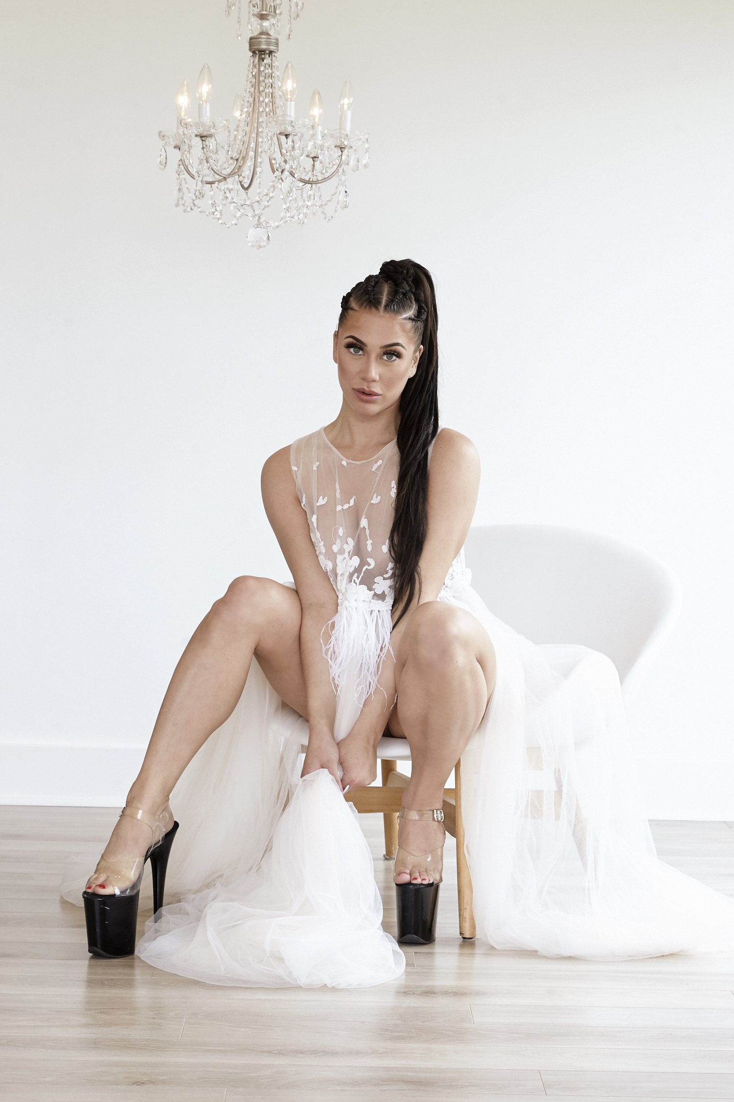 cindy-moleski-professional-boudoir-glamour-photographer-sasaktoon-saskatchewan-20544-002e.jpg