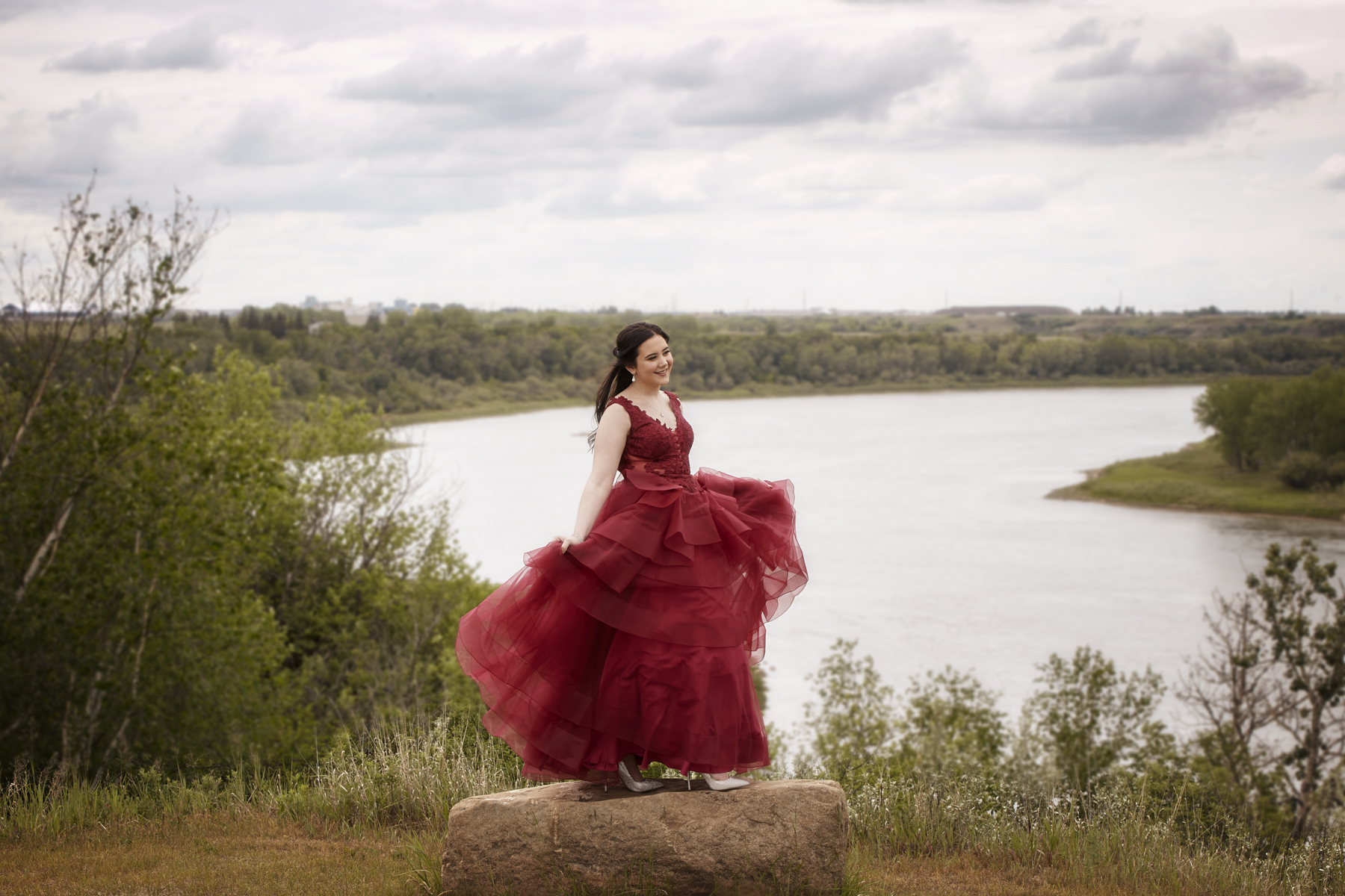 cindy-moleski-professional-grad-senior-graduation-portrait-photographer-saskatoon-saskatchewan-29546-335e.jpg