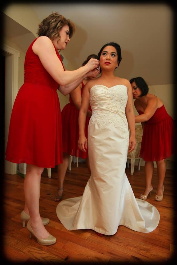 Bluemont Vineyard Bride Getting Ready Photo