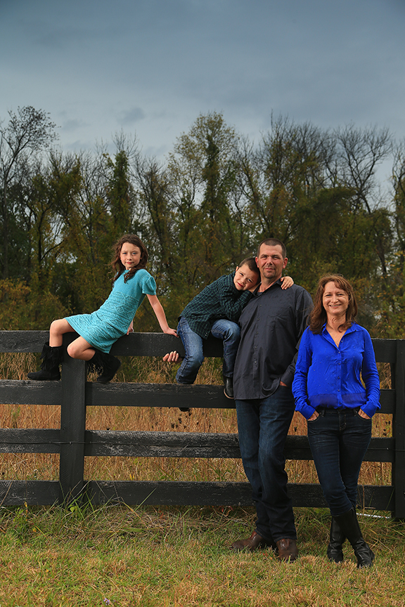Family Portraits Outside  Bluemont Virginia