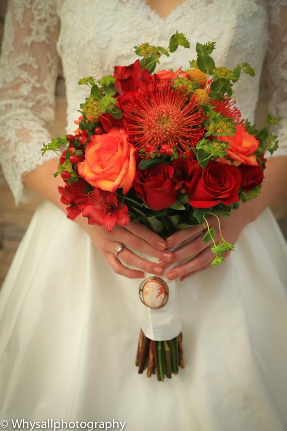 wedding detail photo bouquet the woodlands