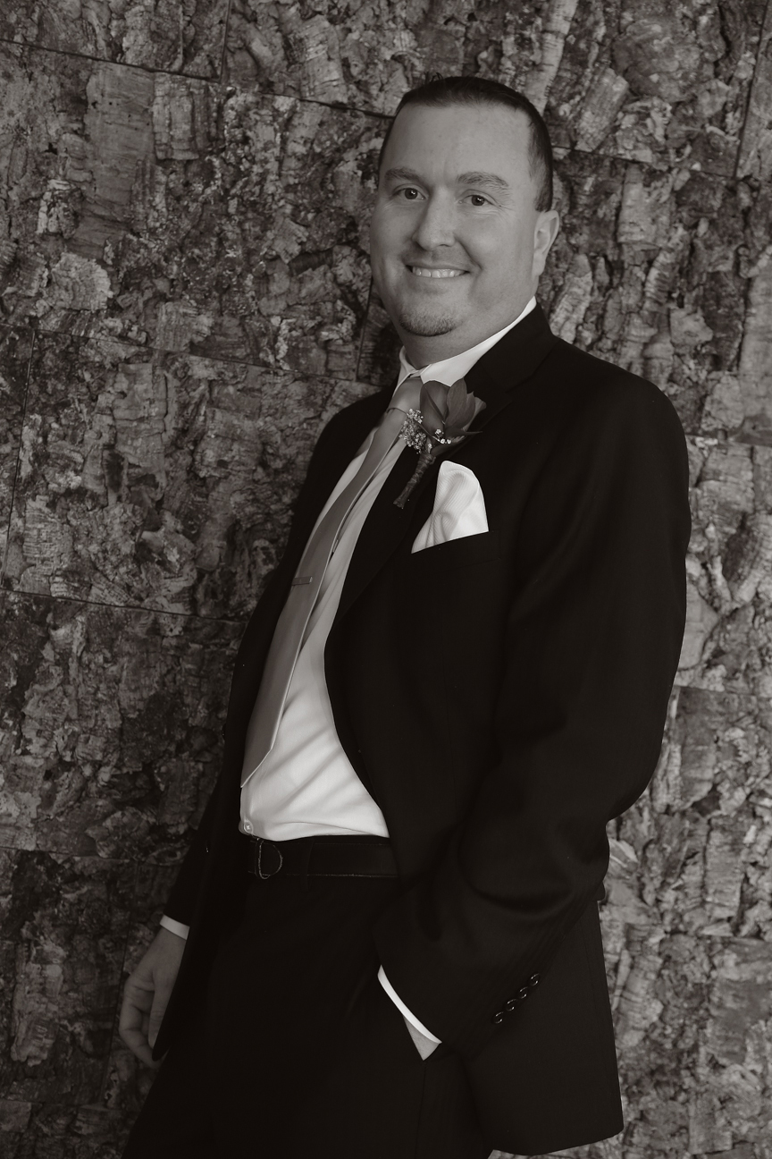 Groom Portrait 8 Chains North Winery