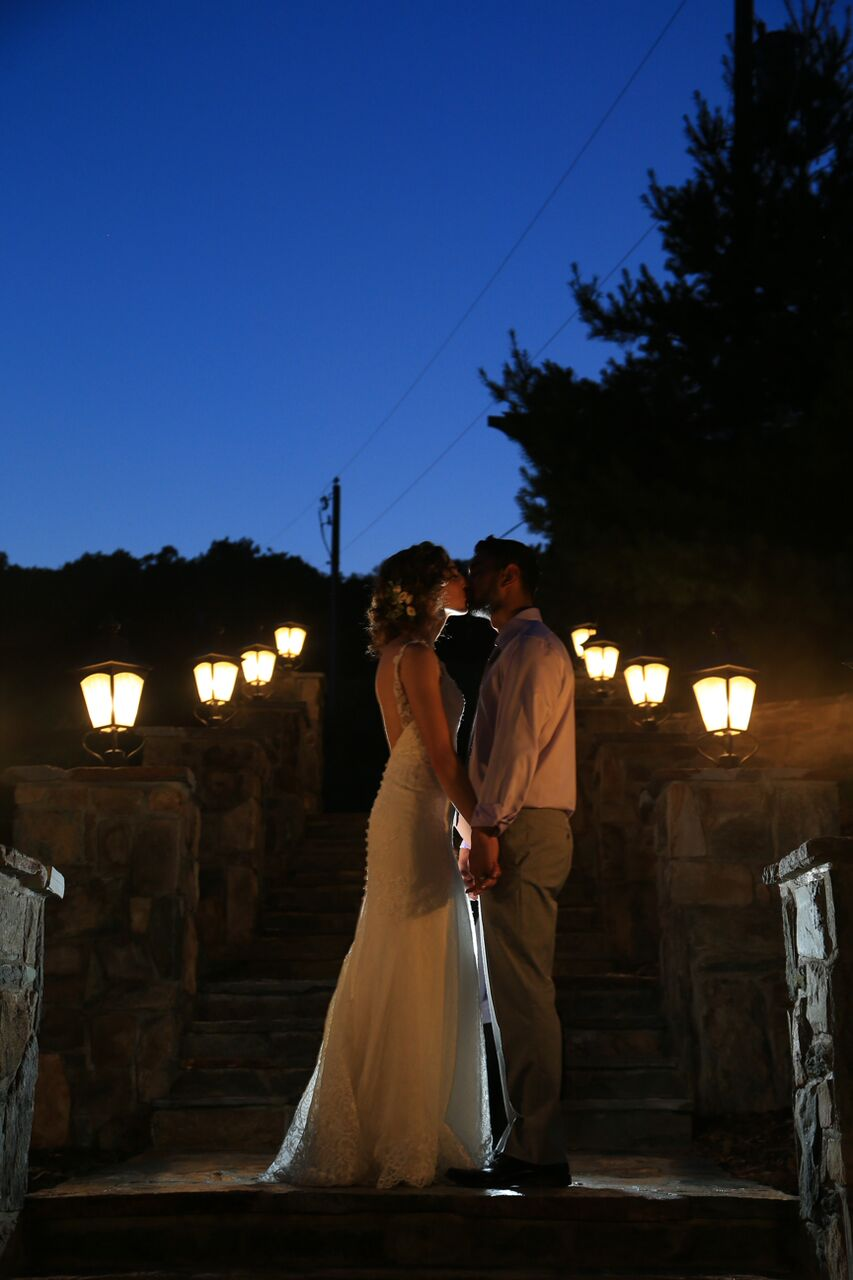 bride groom at sunset bluemont winery