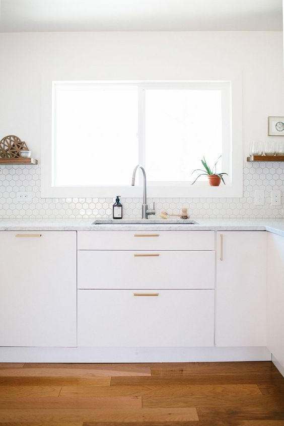 5 Apartment Upgrades that won't cost you your deposit via. www.birdieshoots.com
