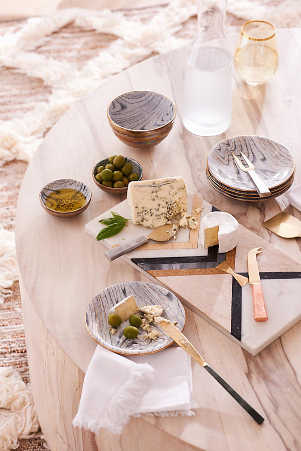 Anthropologie -        25% full priced itemsTHINGS TO CHECK-OUT- HOMEWARE: always a great chance to purchase normally full-priced candles, glassware, or bedding.- GIFTS: Check out their recommended gift sections, find great ideas for hostess presents.
